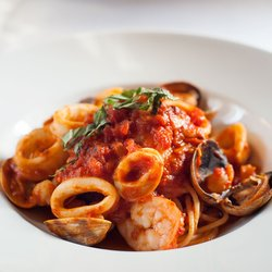 Pasta With Shrimp and Tomato Sauce